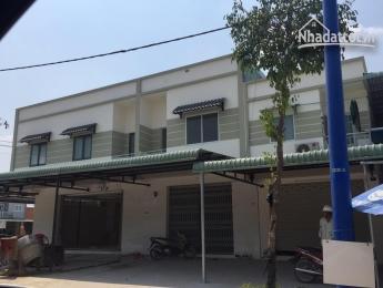 dãy nhà phố 1 kiot và 15 phòng trọ đối diện lotte mart Bình dương